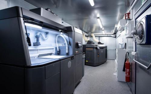 3D-Druck Daimler Buses Additive Fertigung Aftersales Ersatzteile Kunststoff Metall omniplus HP Drucker