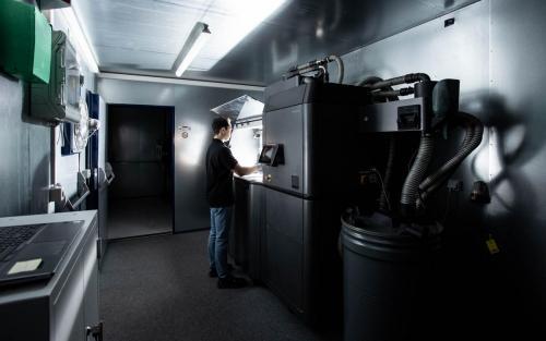 3D-Druck Daimler Buses Additive Fertigung Aftersales Ersatzteile Kunststoff Metall omniplus Putzen Säubern
