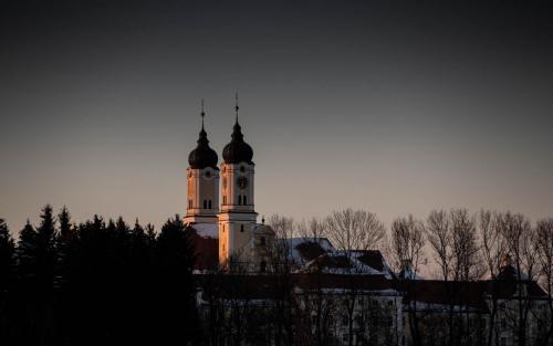 Kloster Roggenburg, Landkreis Neu-Ulm, Drohne, Winter, Panorama, Luftaufnahme, Tourismus, Marketing