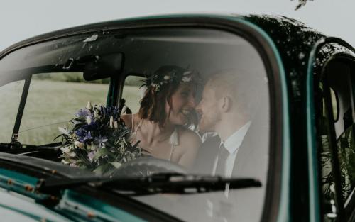 Hochzeitsfotograf Ulm Lonsee VW Käfer Brautpaarshooting Ettlenschiess Auto