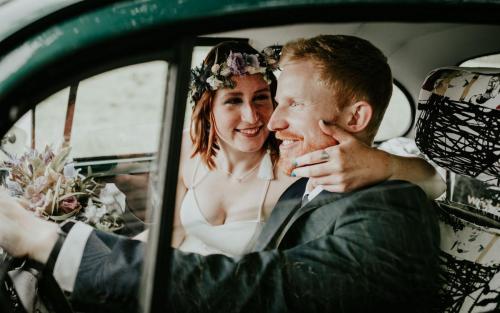 Hochzeitsfotograf Ulm Lonsee VW Käfer Brautpaarshooting Ettlenschiess Auto Beetle