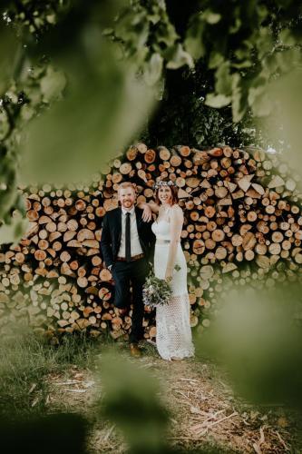 Hochzeitsfotograf Ulm Lonsee VW Käfer Brautpaarshooting Holz Landschaft